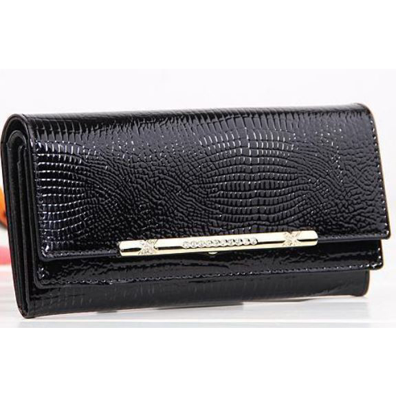 Classy & Chic Large 7.5' Black Crocodile Pattern Ladies Leather Wallet